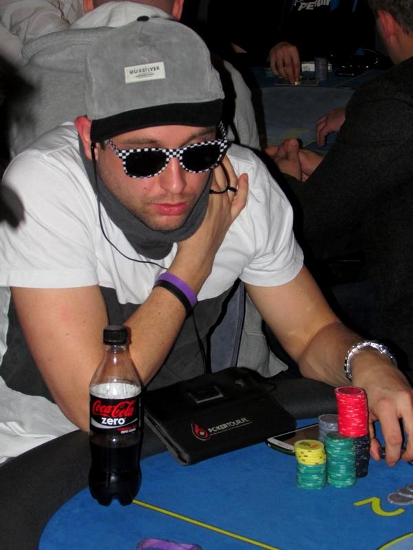 Finał Polish Poker Series - dzień 1B - relacja na żywo 03:40 111