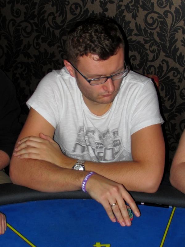 Finał Polish Poker Series - dzień 1B - relacja na żywo 03:40 117