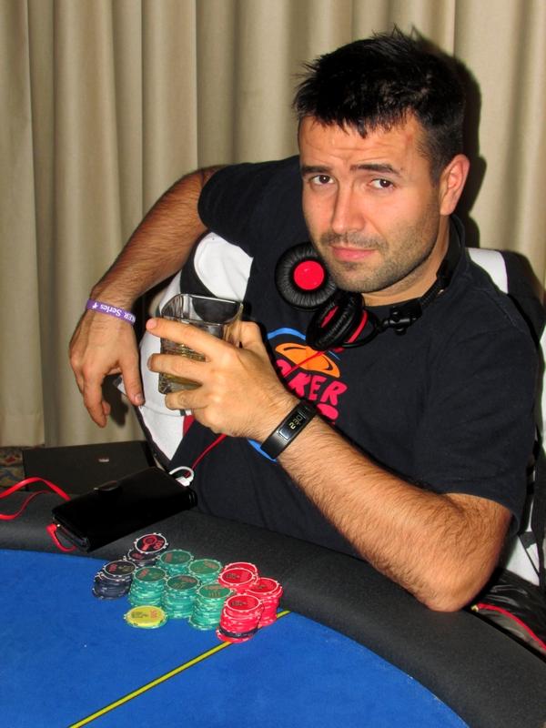 Finał Polish Poker Series - dzień 1B - relacja na żywo 03:40 123