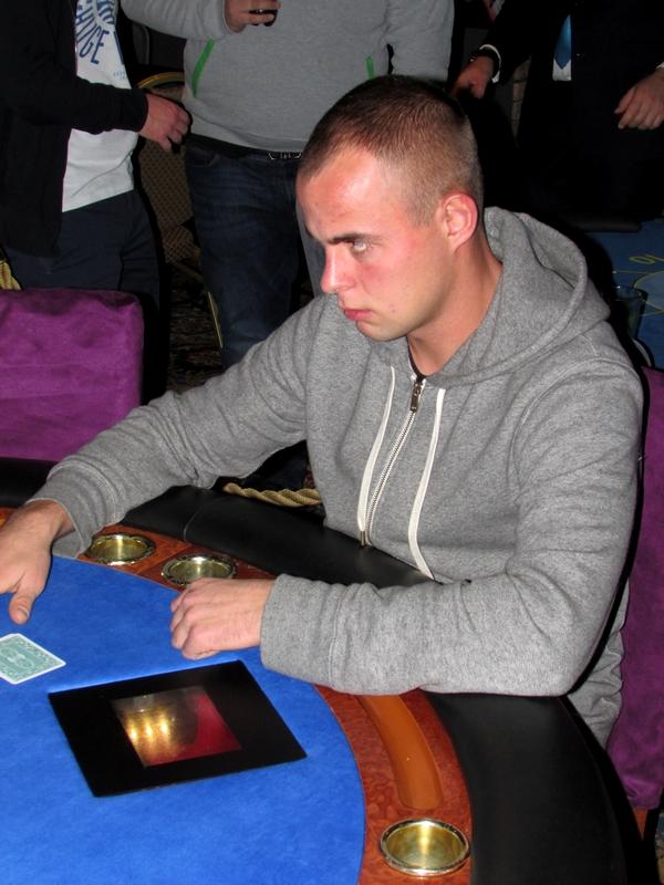 Finał Polish Poker Series - dzień 3 - relacja na żywo 00:40 115