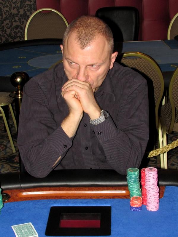 Finał Polish Poker Series - dzień 3 - relacja na żywo 00:40 129
