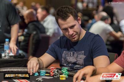 Jan Suchánek je třetí v průběžném pořadí Aussie Millions .600 Main eventu 102