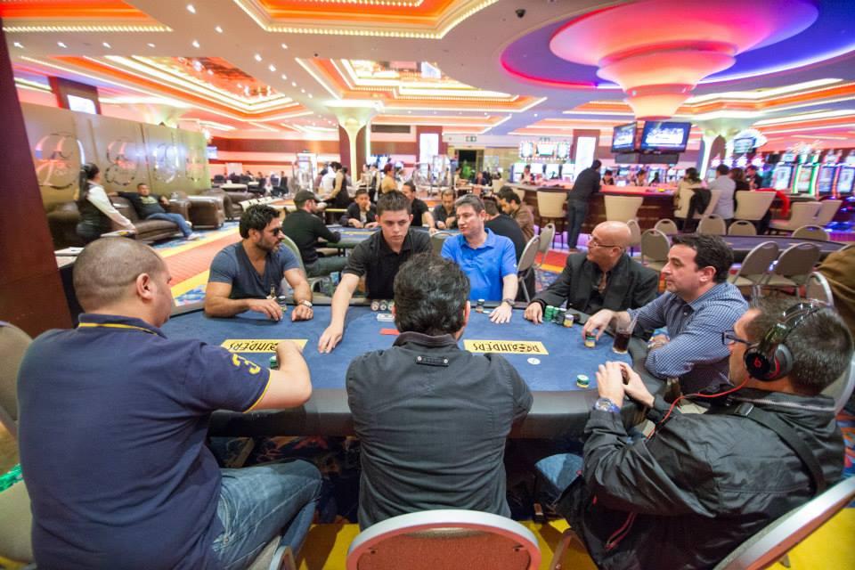 La jugada de mesas cash en Costa Rica 103