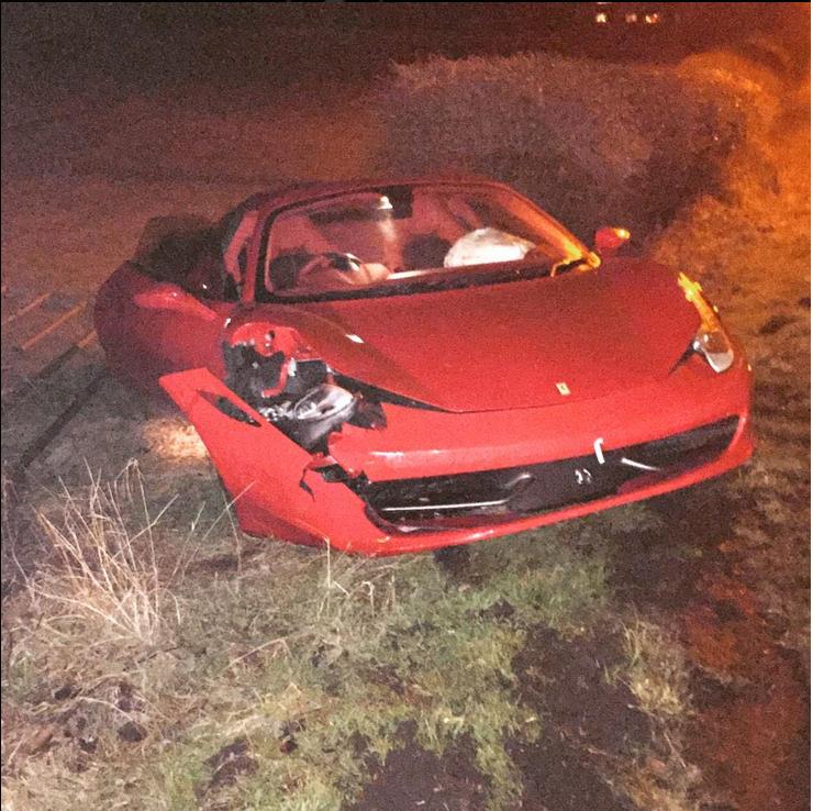 Samas Trickettas sudaužė naujutėlaitį Ferrari (FOTO) 101