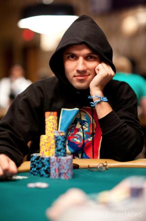 2015 WSOP: Nick Maimone Predvodi Polje u Danu 2  Monster Stack ,500 NLH 101