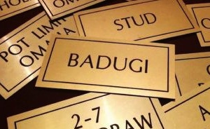 Thinking Outside the Hold'em Box: Badugi 101