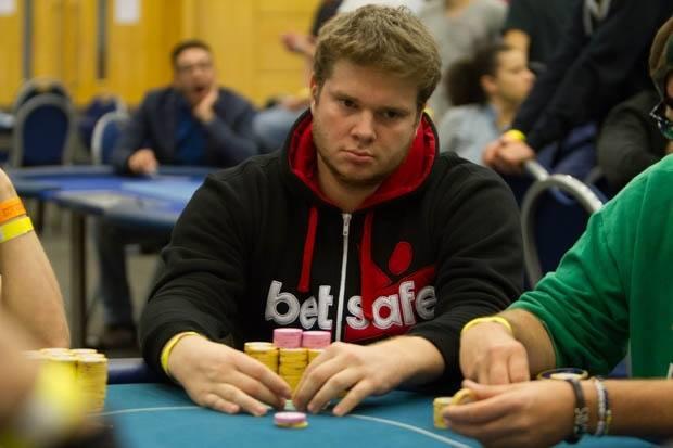Александър Денишев води при 31 оставащи на WSOP Circuit... 101