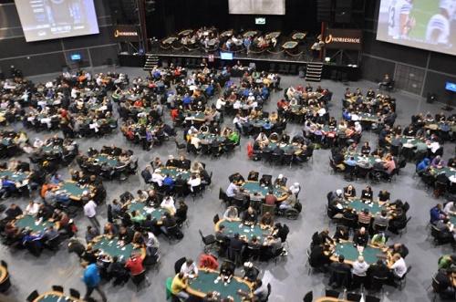 Hai un Circolo di Poker Live e Vuoi Visibilità? PokerNews è il Portale Che fa Per te! 101