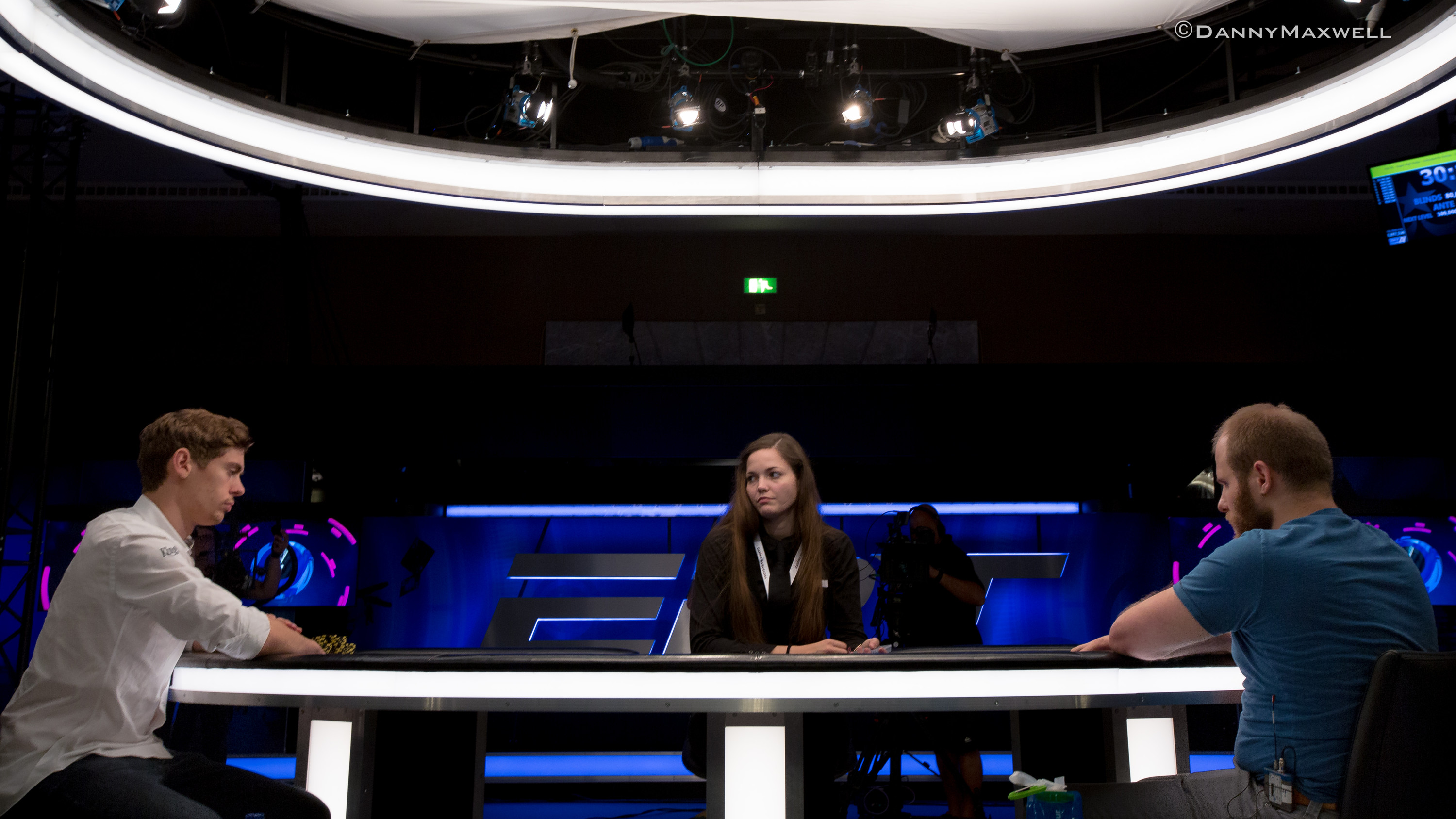 """Retired"" Fedor Holz Claims EPT Barcelona €50,000 Super High Roller Title for €1.3... 101"
