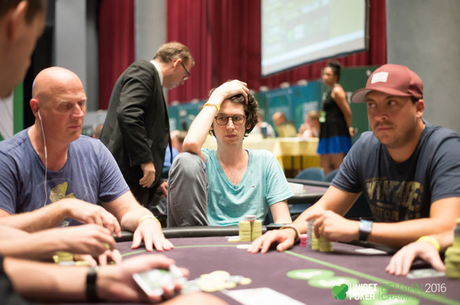 The Dangers of Selective Attention, Why We Repeat Our Poker Mistakes & More