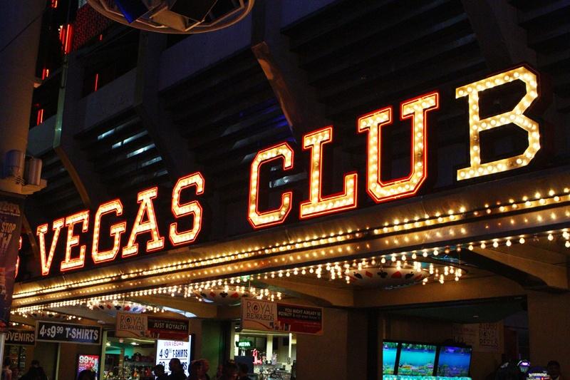 Fremont Street : Démolition historique à Downtown Las Vegas 101