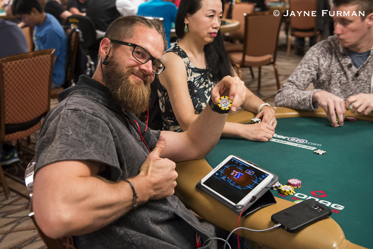 Steven van Zadelhoff grinds WSOP.com and Crazy Eights NLHE