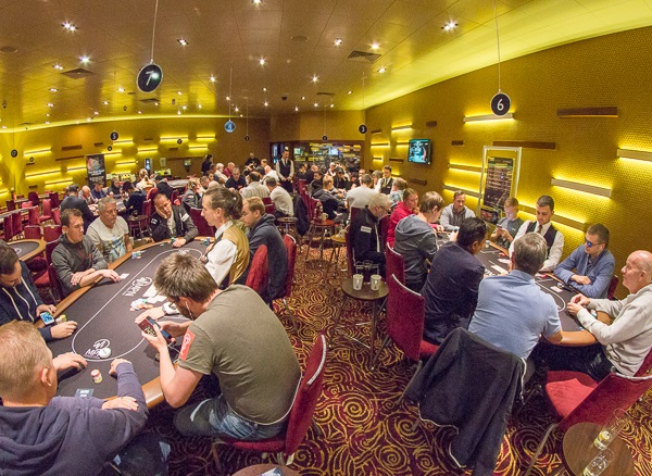 Yiannis Liperis Leads Day 2 Field at MPN Poker Tour Manchester 101