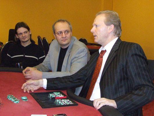 Poker, Poker, Poker – Everyone plays Poker … 101