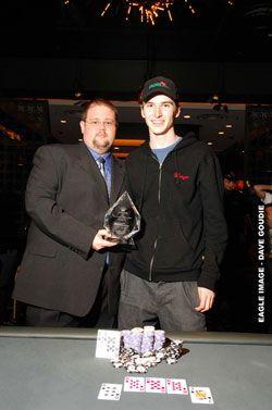 """Luke """"Resteal"""" Abolins gewinnt das PokerProForAYear Pokerevent 101"""