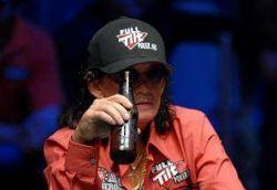 Gehetzte und gelangweilte Legenden und noch mehr Klatsch & Tratsch aus der Pokerszene 102