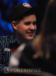 Иван Демидов на финальном столе WSOP Main Event, в игре... 104