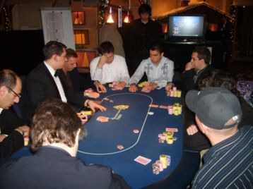 casino poker gegen dealer