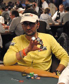 Perfil PokerNews – Antonio Esfandiari 101