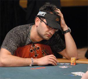 Perfil PokerNews – Antonio Esfandiari 102