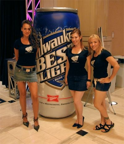 WSOP Mantém Milwaukee's Best Light Como Cerveja Oficial do Evento 102
