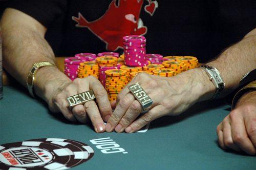 Entrevista PokerNews - Dave 'Devilfish' Ulliott 105