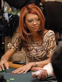 Perfil PokerNews - Liz Lieu 102