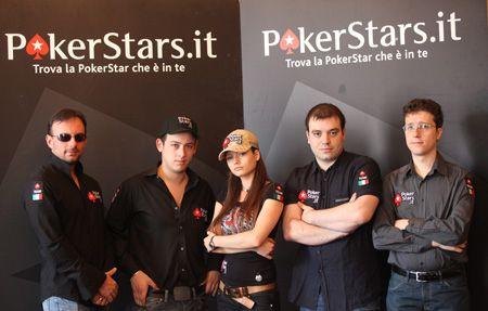 Pokeri ohjelma yhteystietoineena
