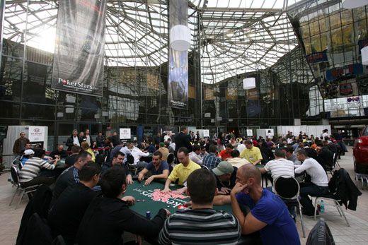 A románok is szeretnek játszani: Román pókerbajnokság Chris Moneymaker-el 101