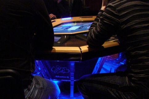 Елктронните покер маси на Alfastreet Poker