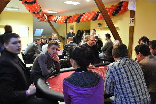 """Pavasarinis sportinio pokerio bumas - Viniuje veiklą pradėjo SPK """"Cowboys"""" 102"""