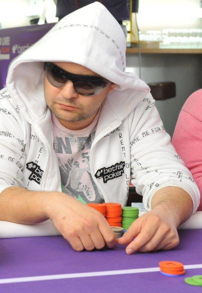Славен Попов на финалната маса на  Betfair Poker Live! Tallinn 101
