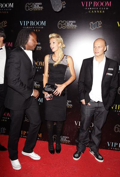 Ilari Sahamies на червения килим заедно с Paris Hilton 102