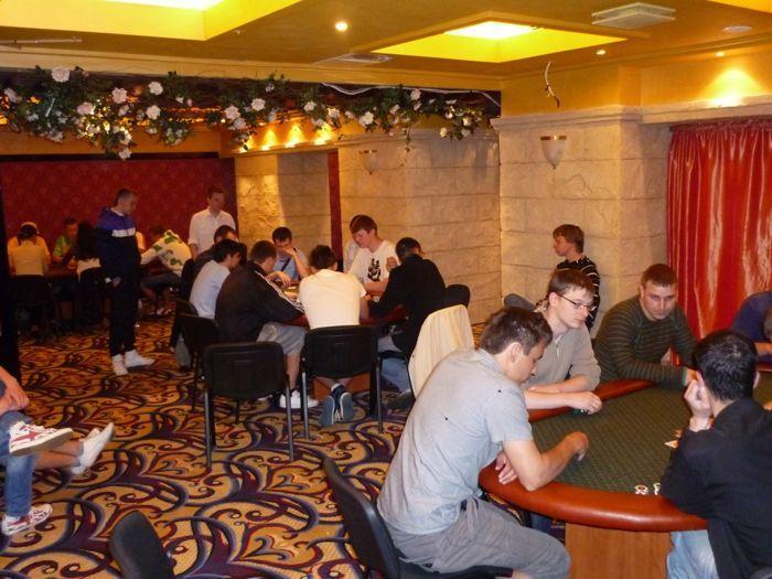 Pirmąjį Pajūrio pokerio klubo draugišką turnyrą laimi - Laurynas Pielikis 101
