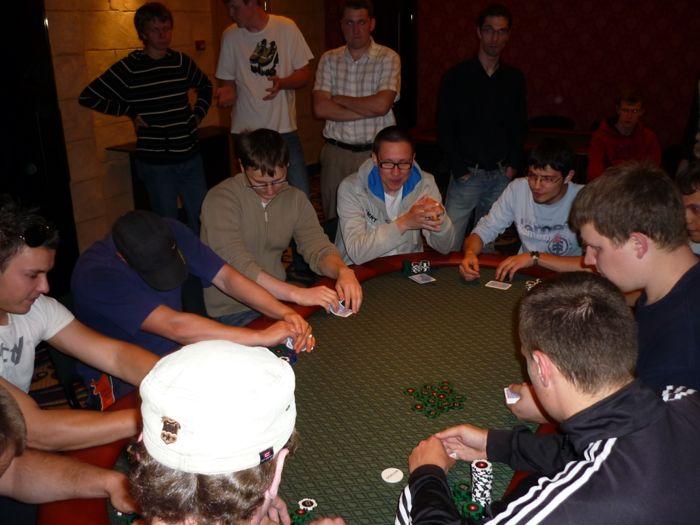 Pirmąjį Pajūrio pokerio klubo draugišką turnyrą laimi - Laurynas Pielikis 102