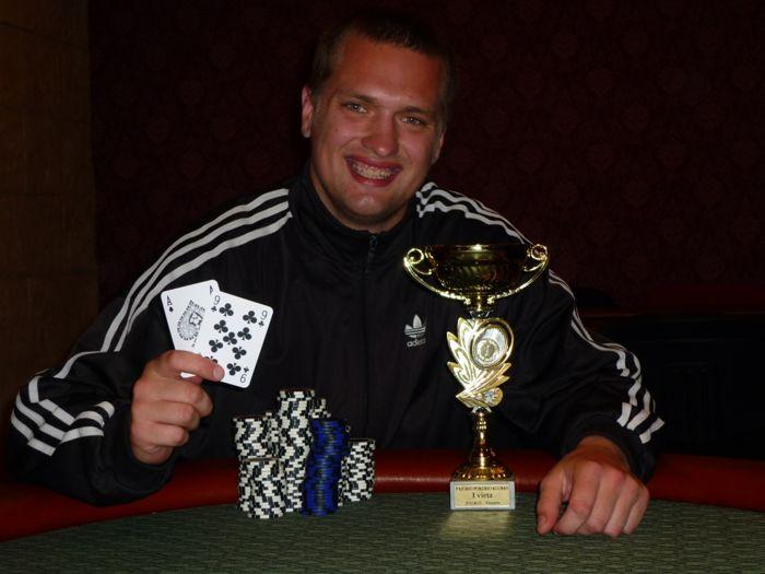Pirmąjį Pajūrio pokerio klubo draugišką turnyrą laimi - Laurynas Pielikis 105