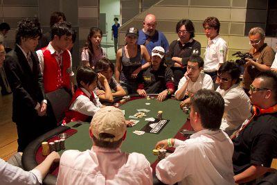 Shinich Koisi 获得第二届东京扑克巡回赛事的冠军 101