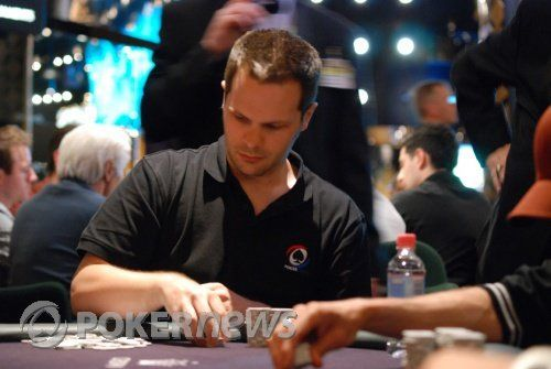 Barry Carter по време на PokerNews Cup Australia 2009
