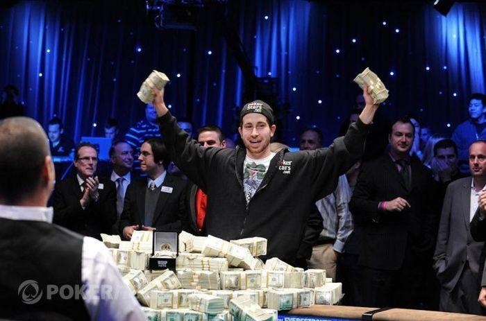 Vítězem 2010 WSOP Main Eventu je Jonathan Duhamel 103