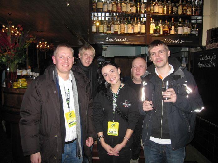 Unibet Open Londoni tervituspidu: Hannes, Kalev, Evely, Janek ja Martin.