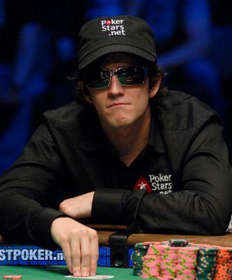 Isaac Haxton выигрывает у Isildur1  более $40,000