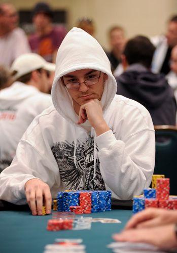 Харисон Гимбель В 2010 году выиграл $2,570,190