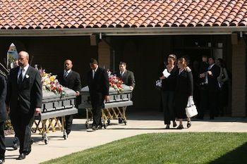 Az áldozatok temetése