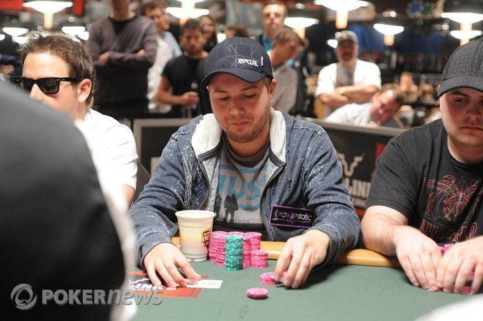 Roberto Santiago ficha por Full Tilt Poker 101