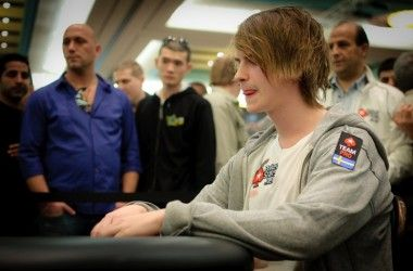 Pokernyheter 14. januar 2011 - Intervju med Viktor Blom og Annette Obrestad - Bazeley med... 102