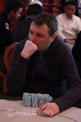 Первым финальный стол покинул украинец Руслан Придрик