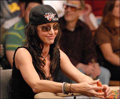 Не совсем серьёзно: знаменитости в покере 105