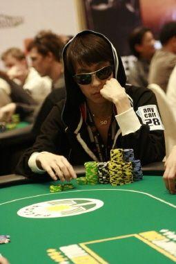 韩国人第一次成为PokerStars扑克之星明星队成员!! 101