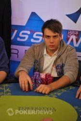 Алексей выиграл очень важную раздачу у Михаила