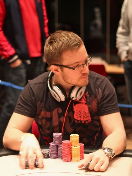 Svenskarna fortfarande bland de basta i poker